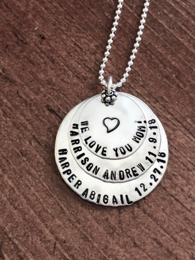 we love you mom personalized mothers necklaced