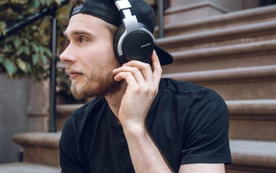 Mixcder Launches New Version Mixcder E7 Noise Canceling Bluetooth Headphones