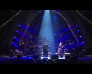 Heart performs Led Zeppelin