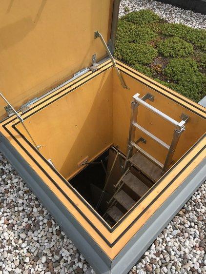 Scala retrattile termoisolata per uscita su tetto piano 2