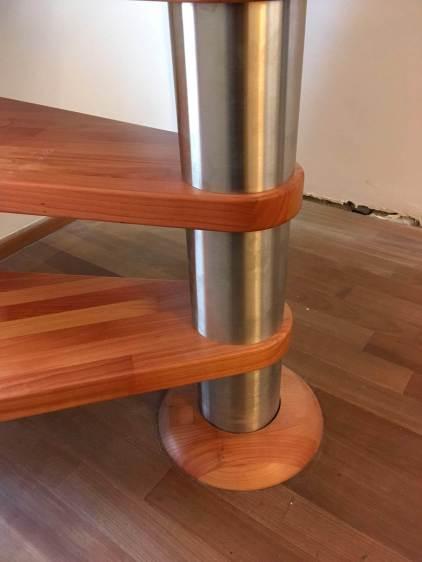 Scala a chiocciola in legno ciliegio e acciaio inox