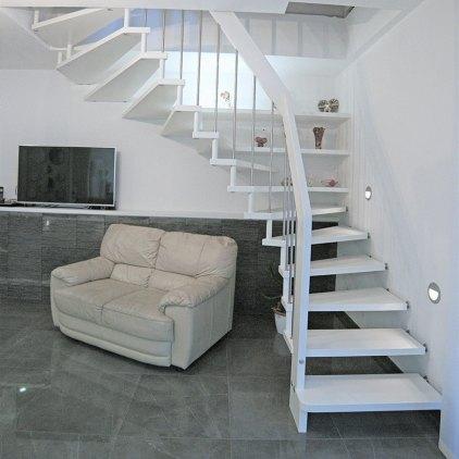 Treppe in Massivholz Buche