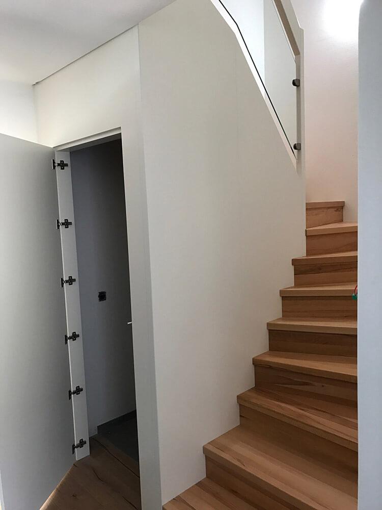 Treppen Mit Unterbau Fur Zusatzlichen Stauraum Und Platz