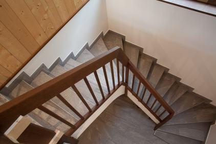 Treppengelaender Serie Trend in Holz