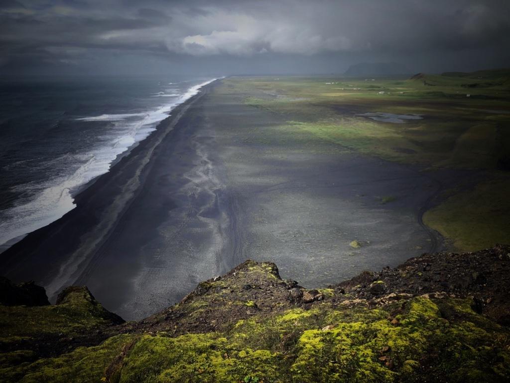 Schwarzer Strand auf Island