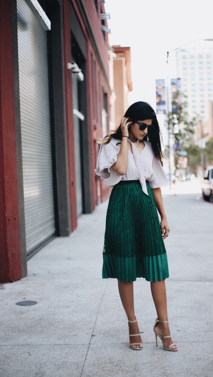 pleated_skirt_bow_top