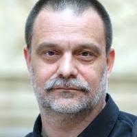 A Rátóti Zoltán, Szita Károly és a jobbos-fasiszta csőcselék által Kaposvárról elüldözött Mohácsi Jánossal büszkélkedik a Csiky Gergely Színház: