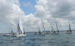 Il J24 Vigne Surrau vince la seconda manche del Circuito Zonale della Flotta Sarda J24