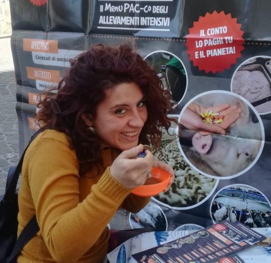 Greenpeace in piazza contro la produzione di carne