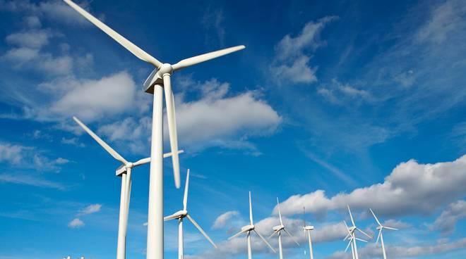 Pale eoliche nel mondo che rafforzano ogni anno la nuova energia rinnovabile del vento