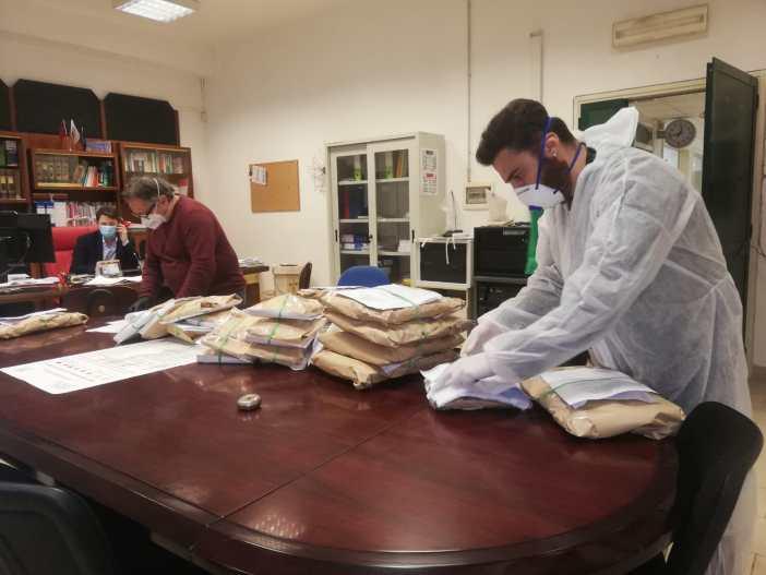 Covid 19: Consegnati tablet agli studenti di Napoli e Quarto