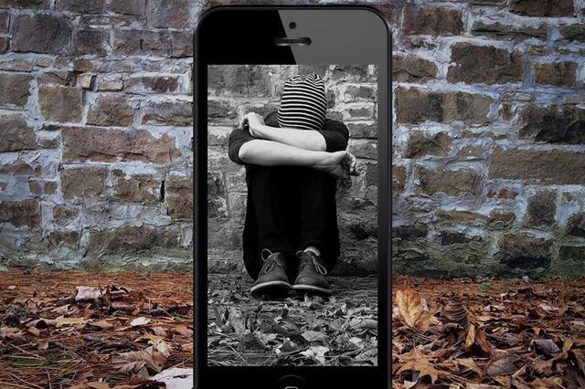 Cyberbullismo: Al Suor Orsola master sul come come prevenire il fenomeno
