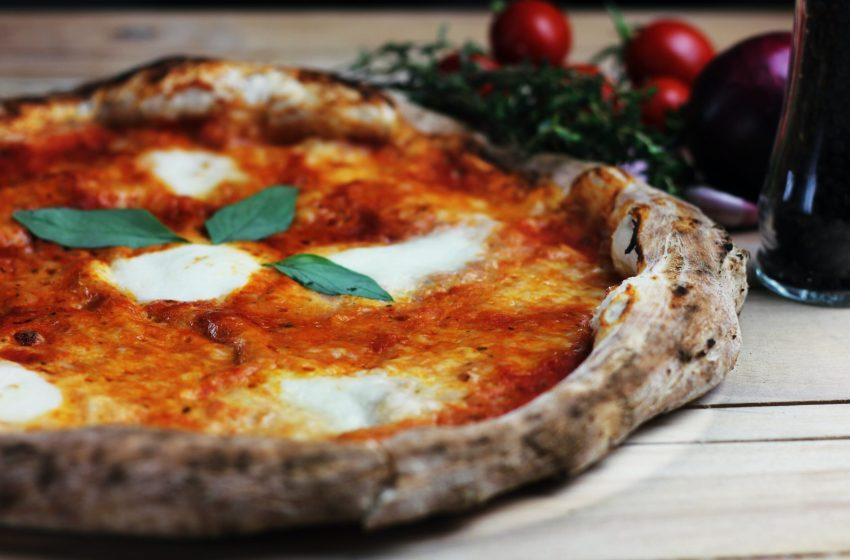 Storia e miti attorno all'origine della pizza