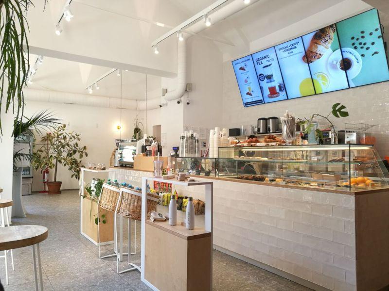 Dove studiare a Bologna? Al Frankly, la prima catena di Bubble Tea e Coffee bar italiani nata a Milano nel 2016.