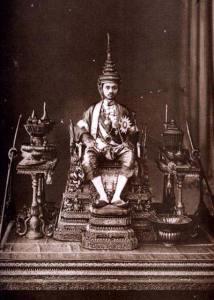 King_Prajadhipok_at_his_Coronation