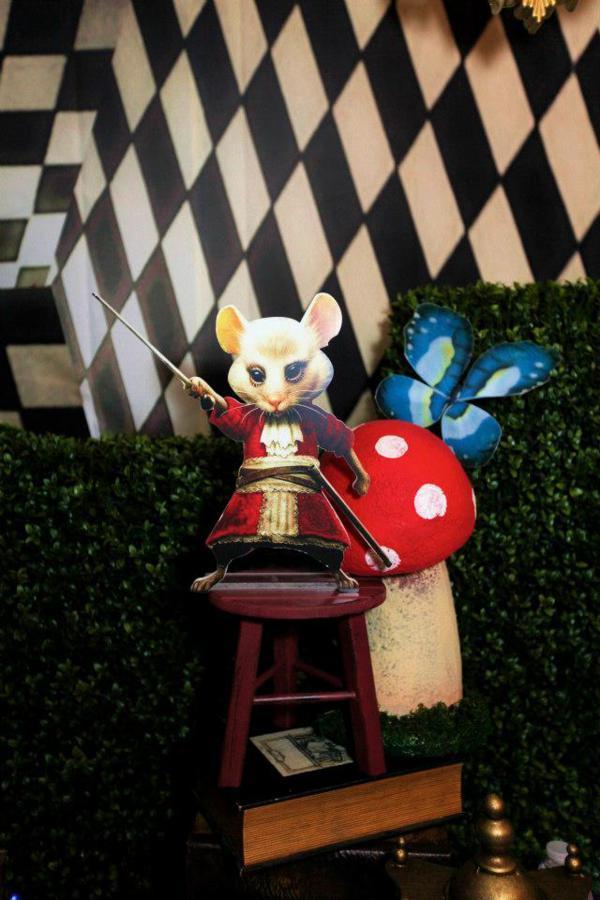 Karas Party Ideas Midnight Alice In Wonderland 30th Un