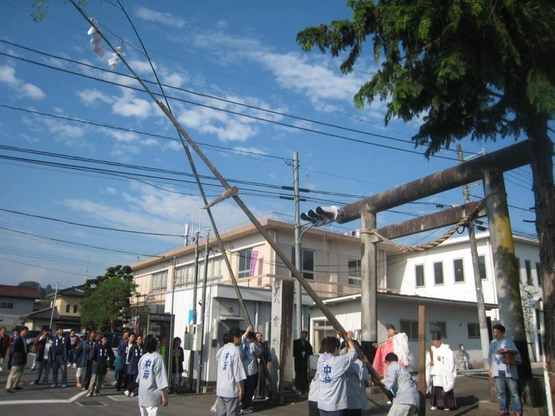 山あげ祭準備を担う当番町(写真:2011年7月1日お注連建式準備)