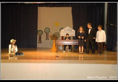 Φανή Καράτζου | Θεατρική Παράσταση 2010 image 5