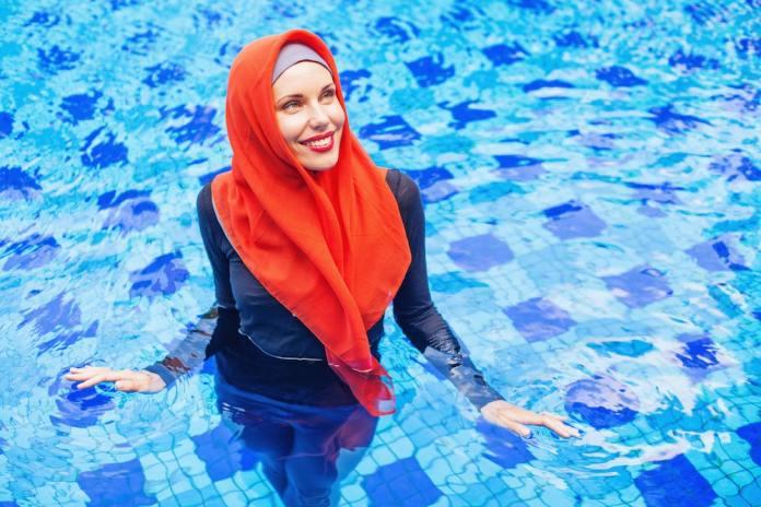 6 نصائح للسباحة أثناء الدورة الشهرية دون ضرر