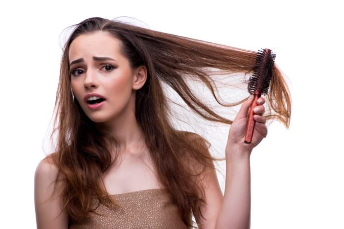 تجنبي جفاف وتقصف الشعر في الشتاء بهذه الأساليب