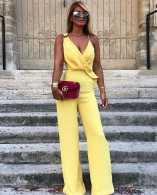 أفكار لارتداء اللون الأصفر 3