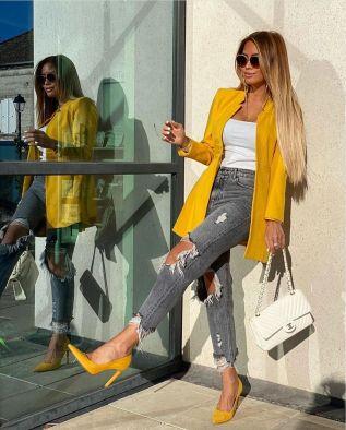 أفكار لارتداء اللون الأصفر 8
