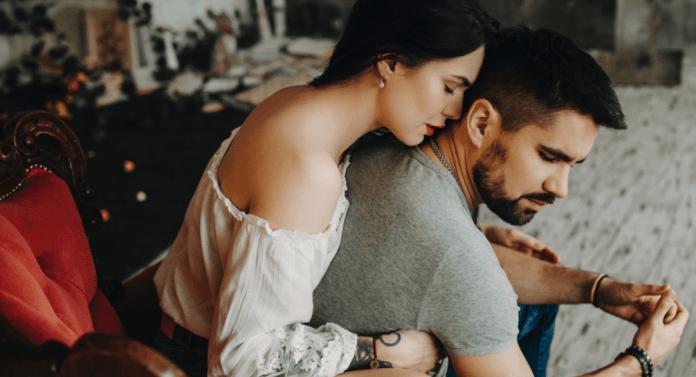 كيف اعتذر لزوجي بطريقة رومانسية ؟