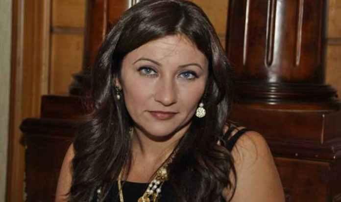 اختفاء جيهان فاضل يثير التساؤلات بعد عملها بائعة في سوبر ماركت
