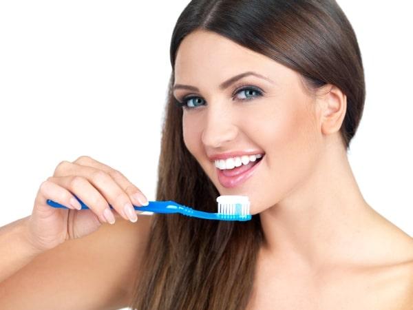 مدة صلاحية فرشاة الأسنان