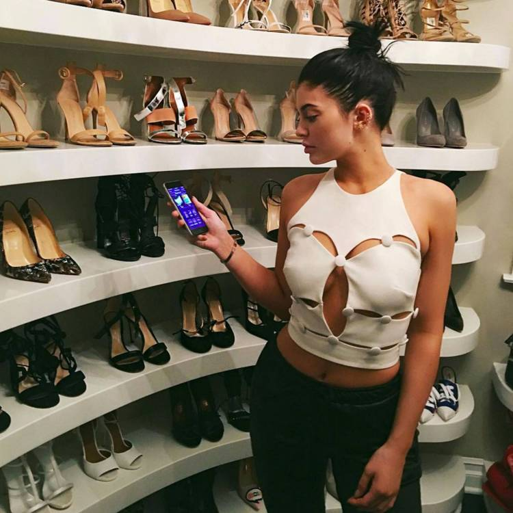 KYLIE JENNER STRIPPED OF FORBES 'BILLIONAIRE' STATUS AND ...