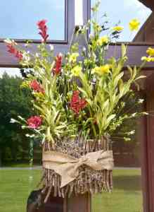 Love Your Life Friday: Spring Twiggy Basket at KarenEhman.com