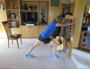 stretches, stretches for the back of the legs, calf stretch lunge