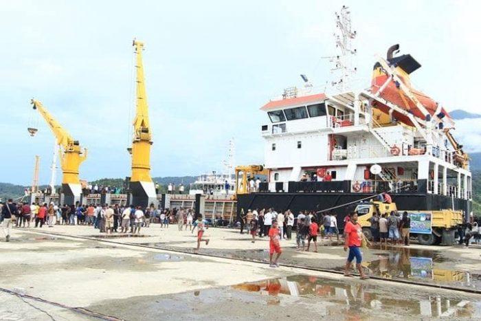 Cargo Kapal Cepat ke Pelabuhan Depapre Jayapura