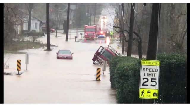 kfd truck and vehicle under water_1550931432637.PNG_74386922_ver1.0_640_360_1550949533831.jpg.jpg