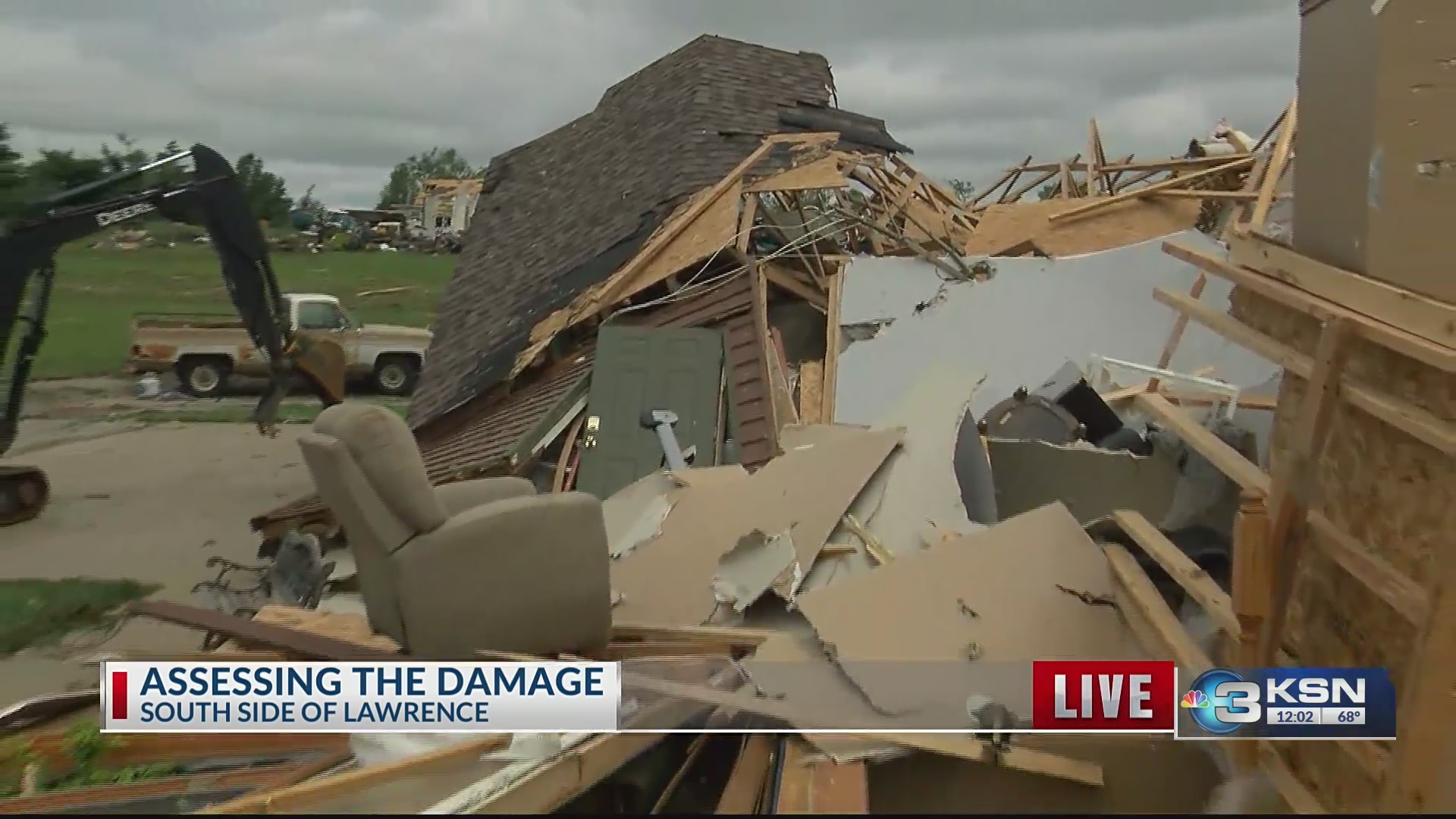 KSN_gets_look_at_tornado_devastation_sou_0_20190529171547-846624078