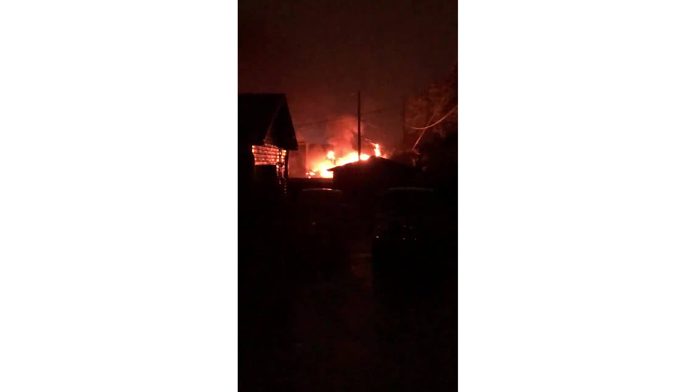 House_catches_fire_after_struck_by_light_0_20190620043806-118809318