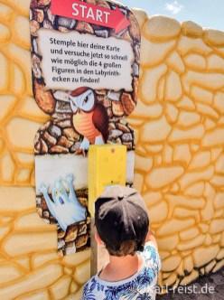 Im verrückten Labyrinth im Ravensburger Spieleland