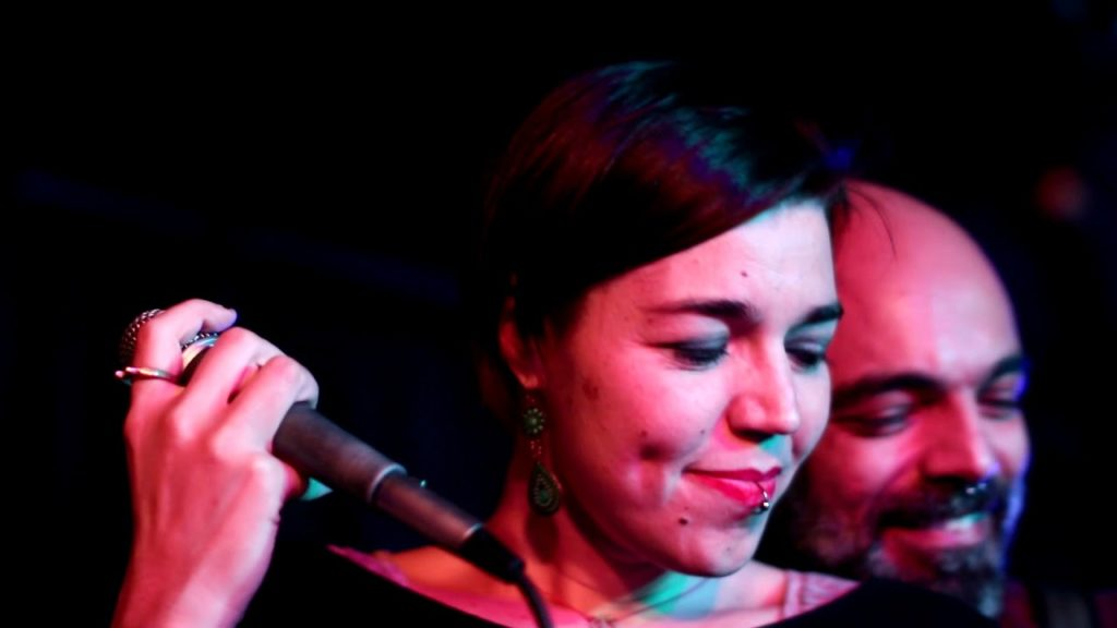 Man With A Band feat. Georgia Achilleopoulou – «Ain't no Sunshine» – Live@Cabaret Voltaire