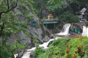 Kalhatti Giri Falls – An Elegant Cascading Waterfall