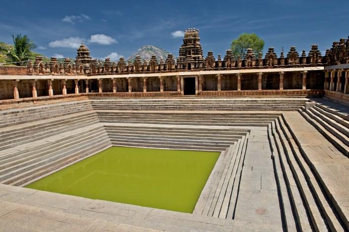 Bhoga Nandeeshwara temple, Nandi Hills