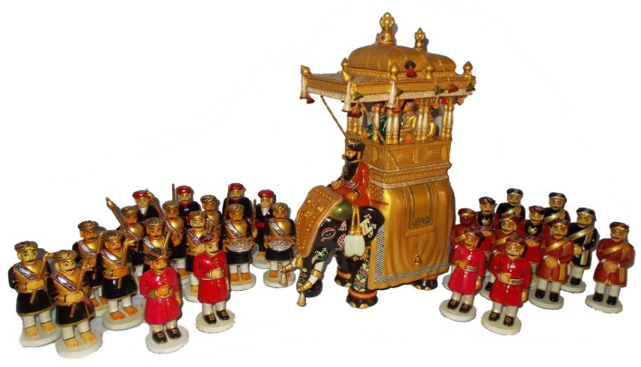 dasara procession dolls. Image source W@yfarer's Club