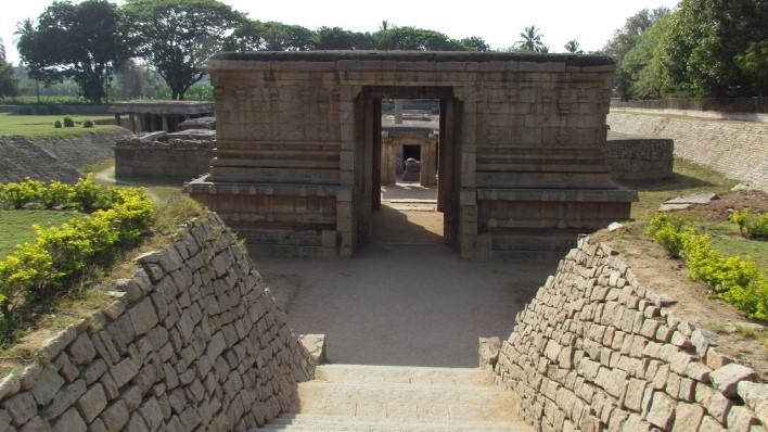 Prasanna Virupaksha or Underground Shiva Temple, Hampi. Photographer Ssenthilkumaran