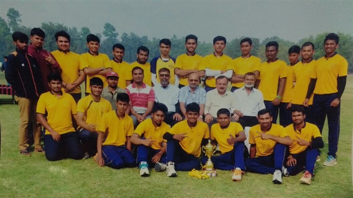 Arun: standing sixth from left. Shivaraj: bottom row third from right. Dilip Kudwalli: seated in the middle row third from left.