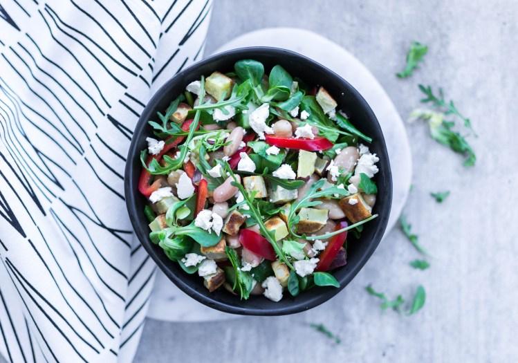 Salat med søtpotet & bønnemix