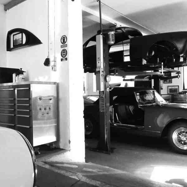 Blick in die Oldtimer-Werkstatt: Karosserie Garage, Bad Saulgau, Alfa Romeo 2600 Touring Spider
