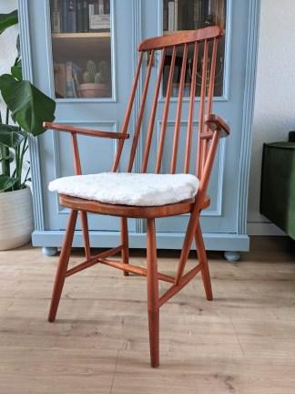 Scandinavische spijlen fauteuil