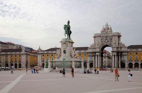Commercio Square