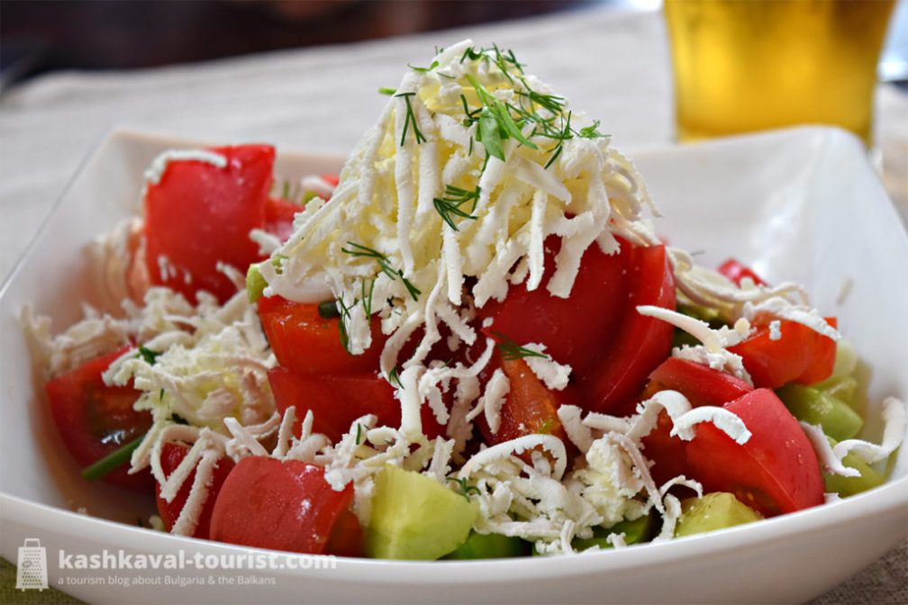 Head start: shopska salata (шопска салата)