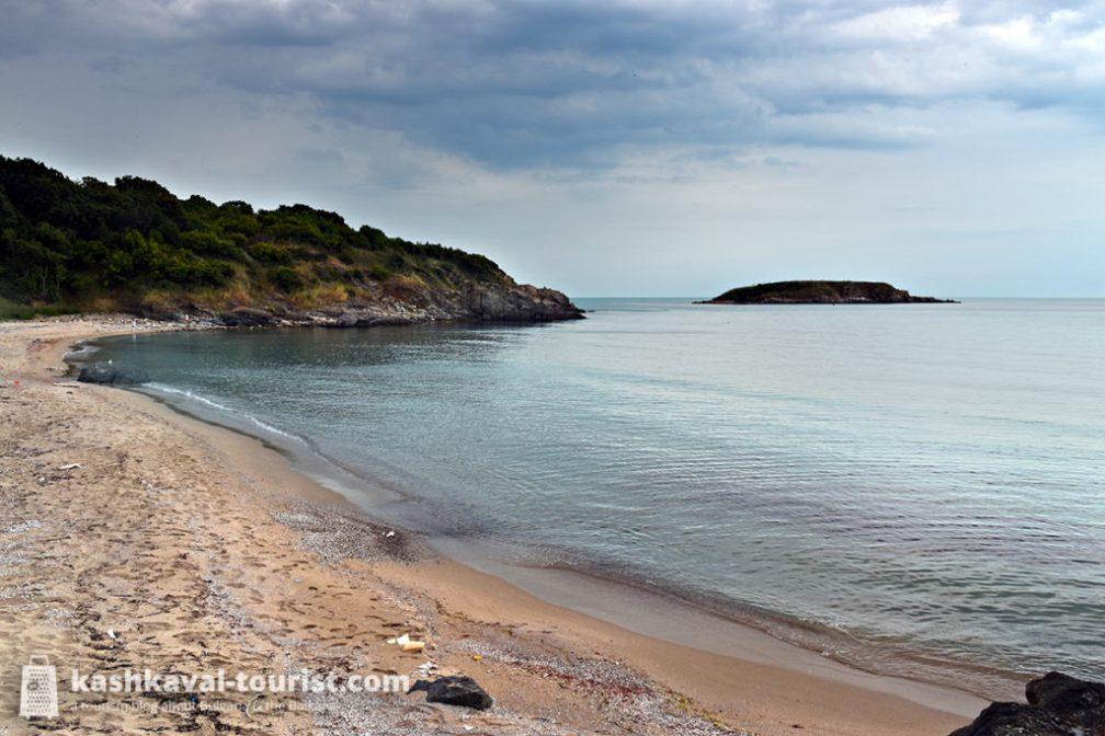 The Bear's Cove: Arkutino