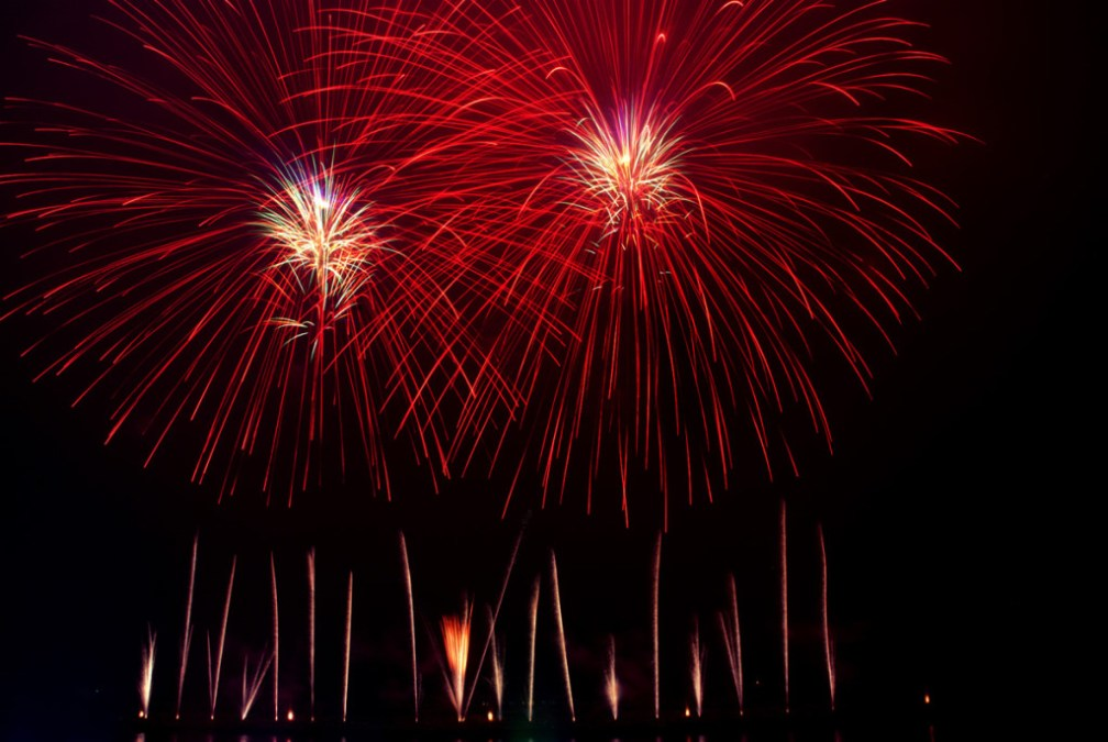 All-out firework war: New Year's Eve
